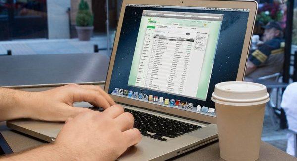 Mẹo hay: Cách chọn laptop cho dân văn phòng 2018 tốt nhất