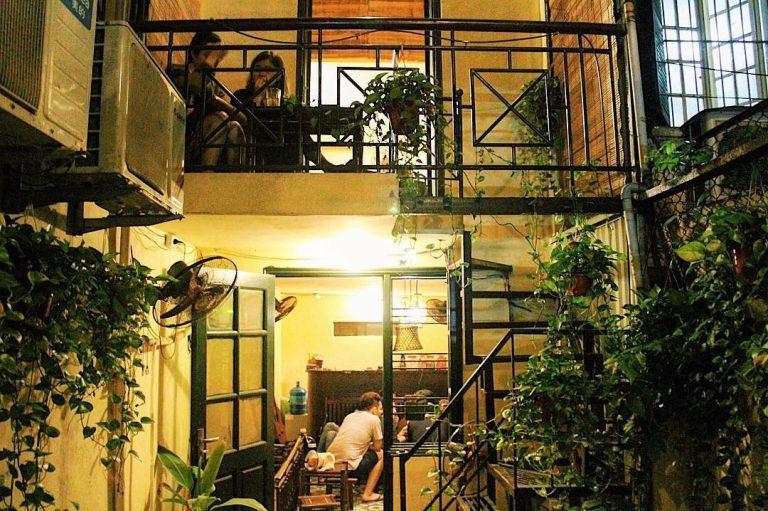 """""""Ấn tượng"""" với những quán cà phê đẹp ở Hà Nội phong cách Retro"""