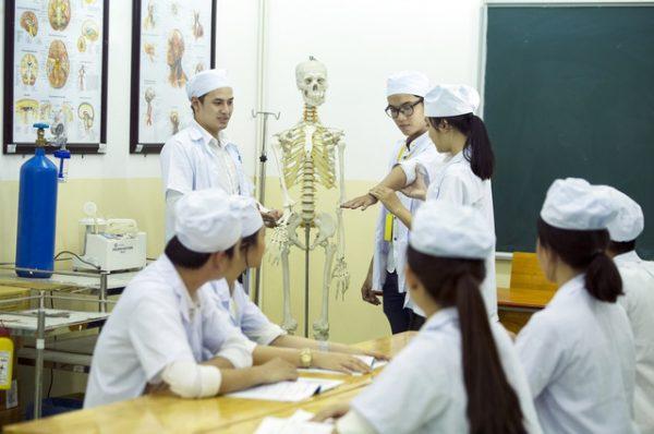 Điểm chuẩn ngành y dược
